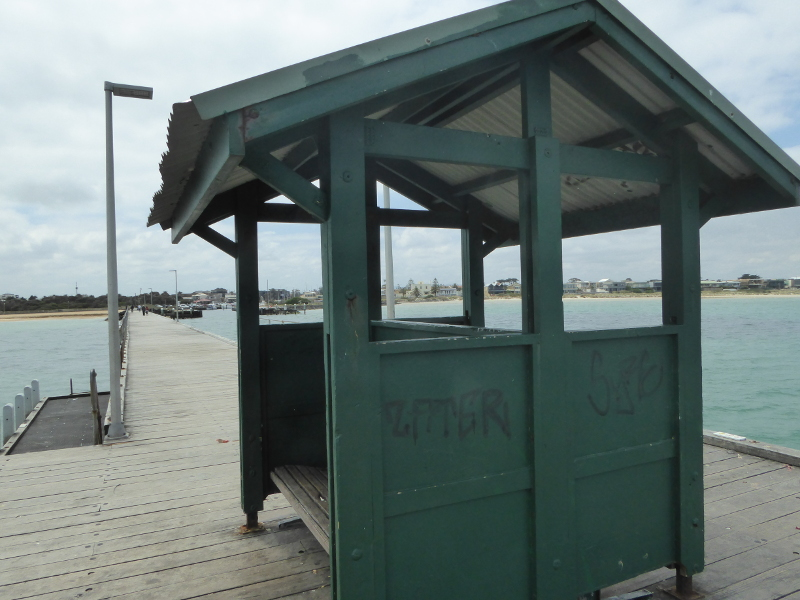 Shelter on Mordialloc Pier